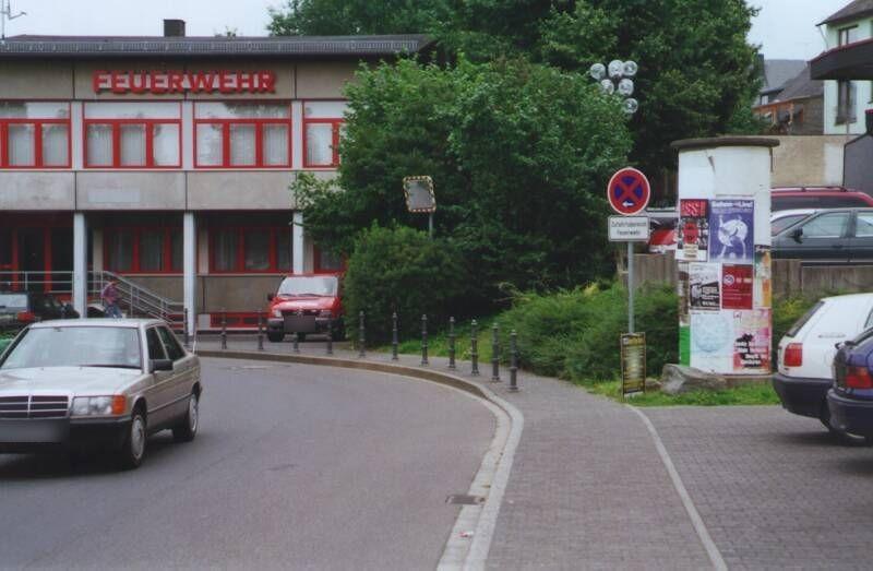 Heinrich-Meister-Str   3/Kirmesplatz gg