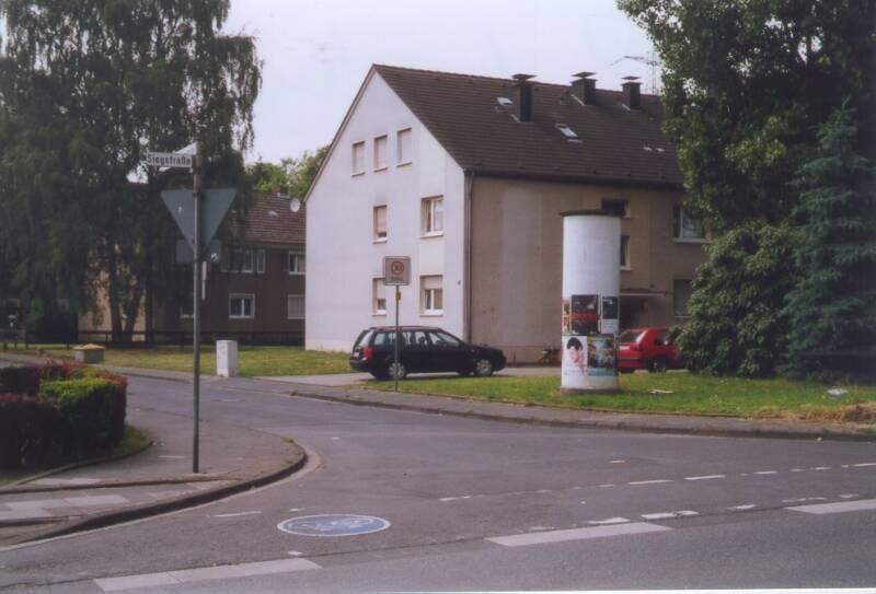 Klöckner-Mannstaedt-Str 22 re/Siegstr