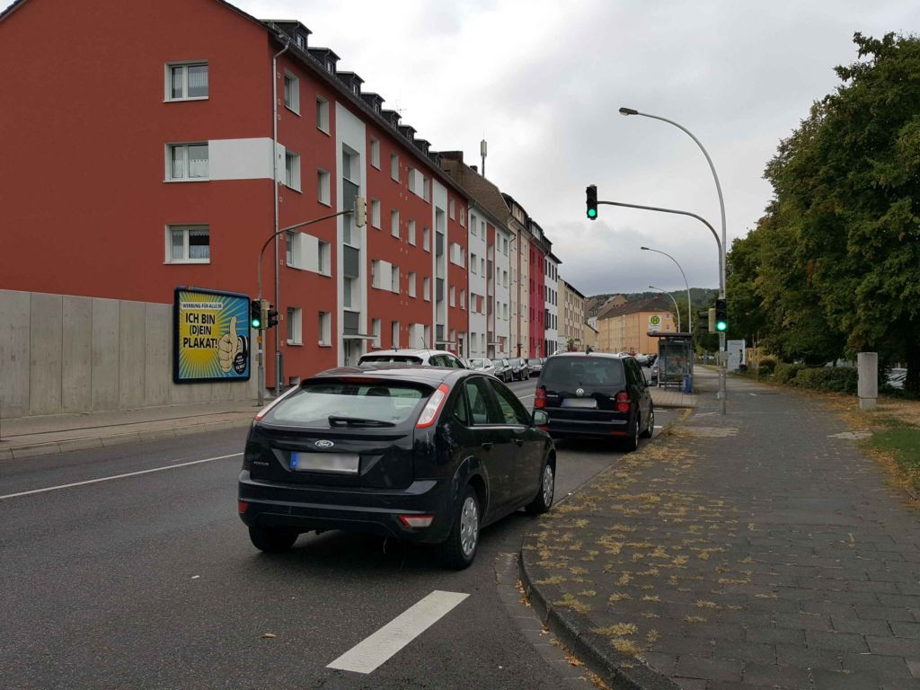 Koblenzer Str 142 re/Krankenhaus gg