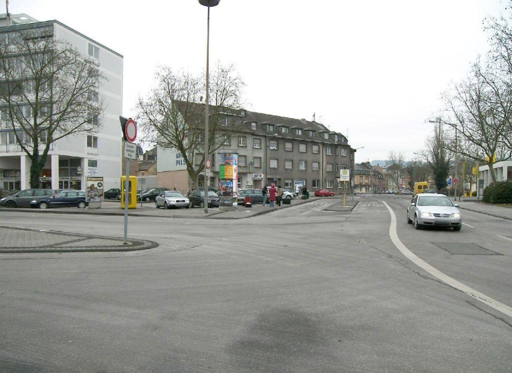 Moltkestr  44 gg/Bhf-Vorplatz