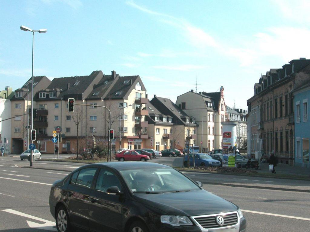 Lindenstr  20a (P)/Georg-Schmitt-Platz