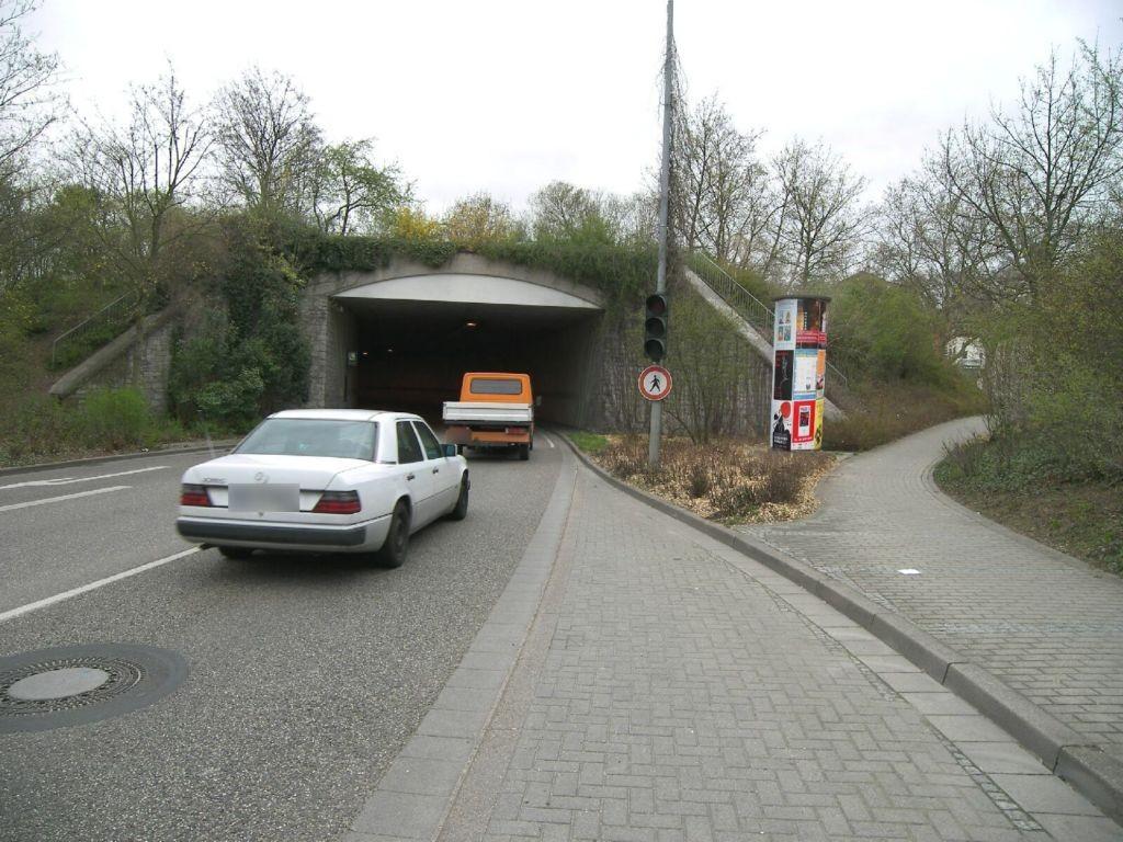 Pfeilerstr (B 3)/Bürgerzentrumtunnel re