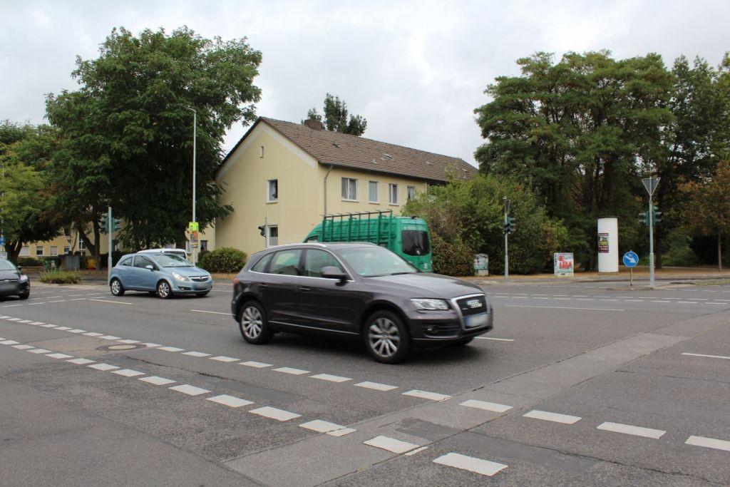 Pommernallee/Bahnhofstr
