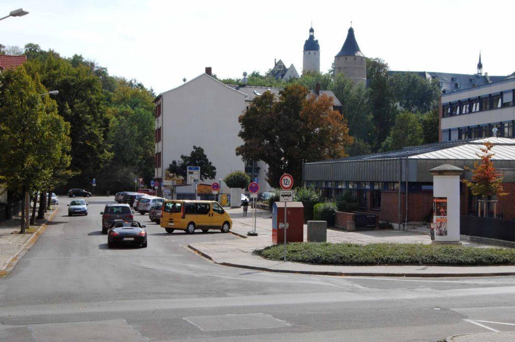 Johann-Sebastian-Bach-Str/Kanalstr