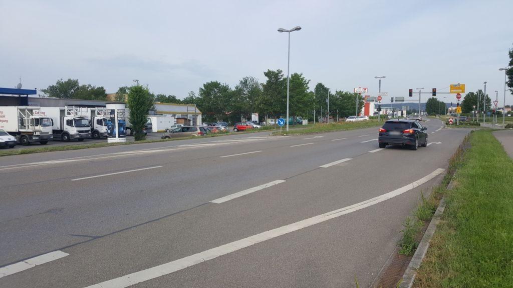 Echterdinger Str/Gottlieb-Daimler-Str