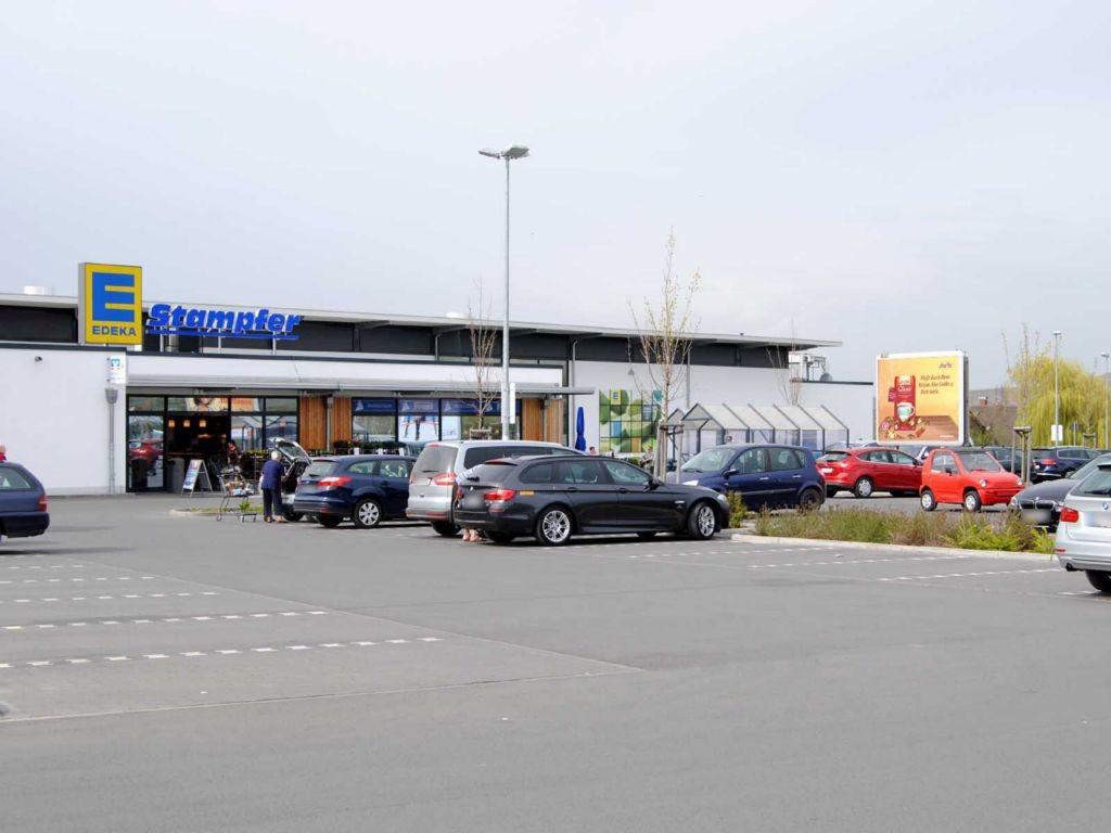 Bahnhofstr. 63 Edeka Stampfer Eing.