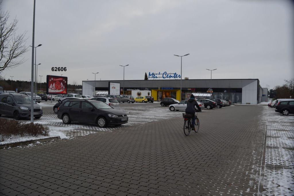 Burghauser Str. 72 E-center