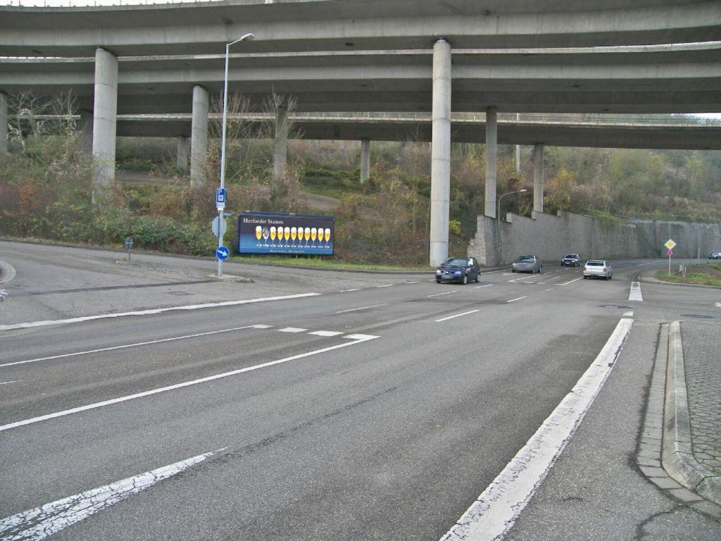 Römerstr (B 9)/Laubach gg
