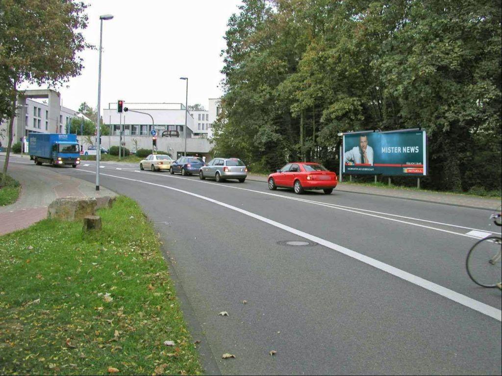 Spitzmühle (P) gg li/Bernhardstr nh