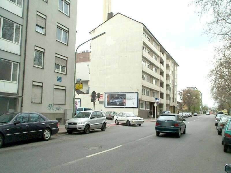Bürgermeister-Grünzweig-Str  83 re