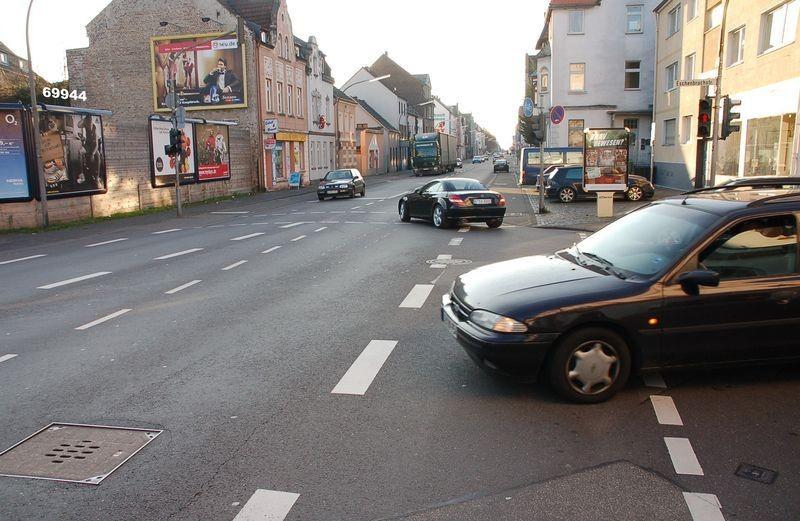 Bergisch Gladbacher Str 1116 li/Von-Quadt-Str