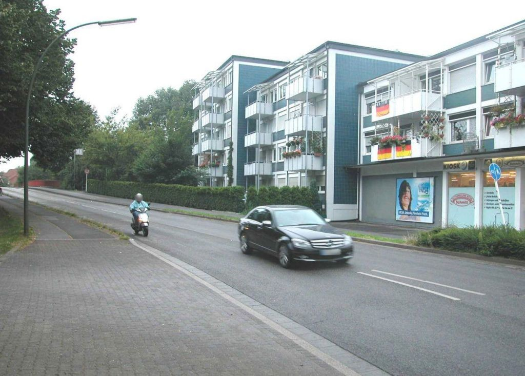 Lasallestr li/Am alten Sportplatz