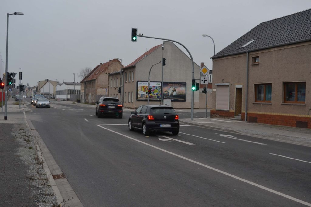 Geschwister-Scholl-Str  40 (B 246a)/Streckenweg