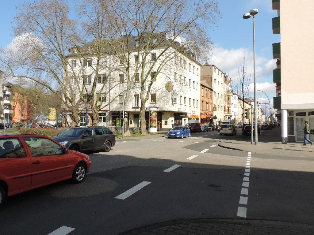 Hohenzollernstr 100 li/Schenkendorf Platz
