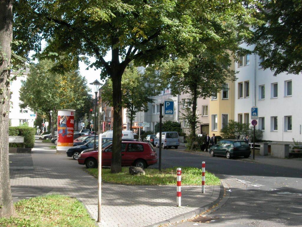 Roonstr  30/Emil-Schüller-Str