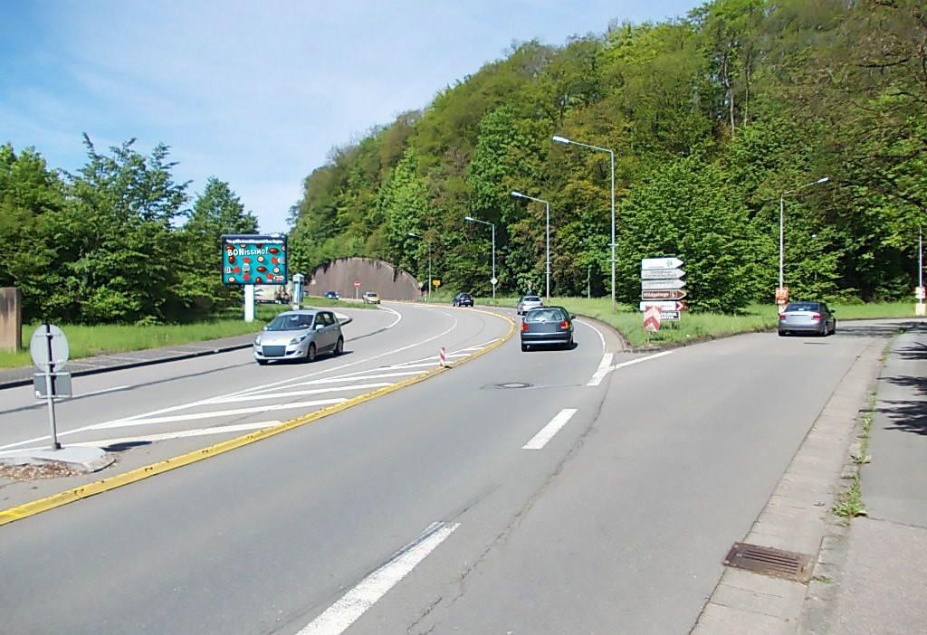 Bitburger Str aw (B 51)/Zufahrt Fachhochschule Schneidershof