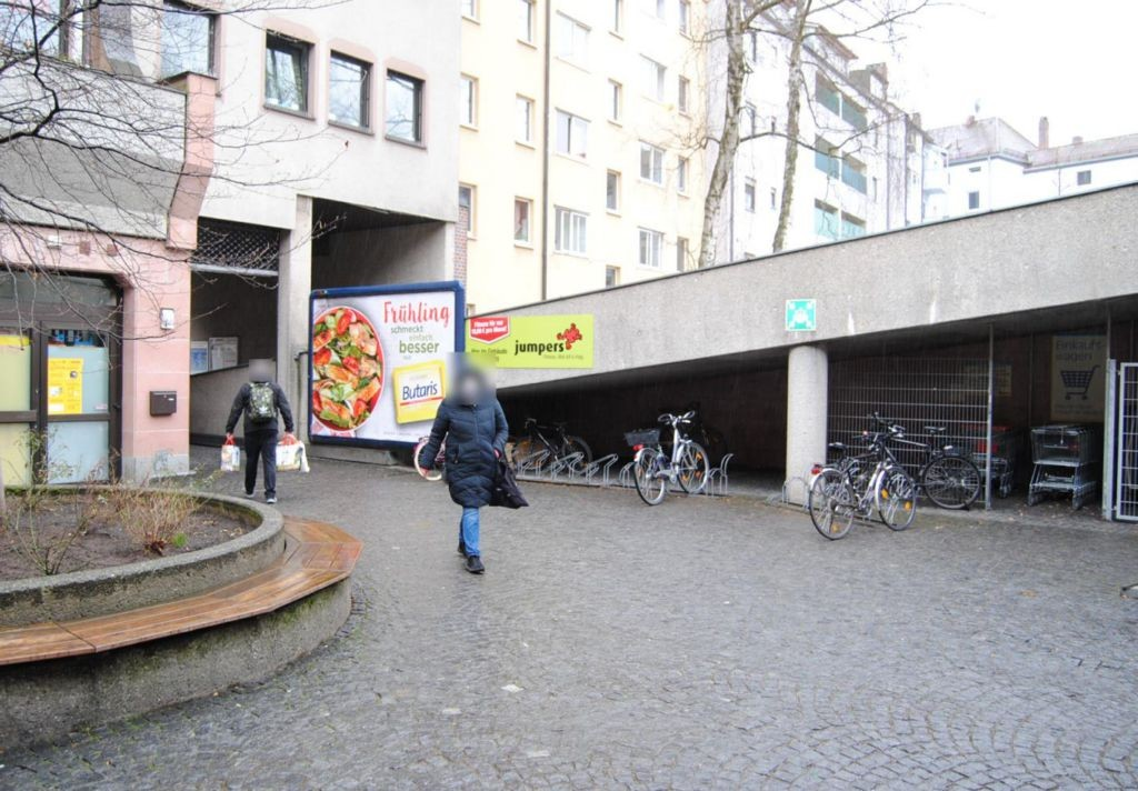 Sulzbacher Str. 77-81 E-center Eing.