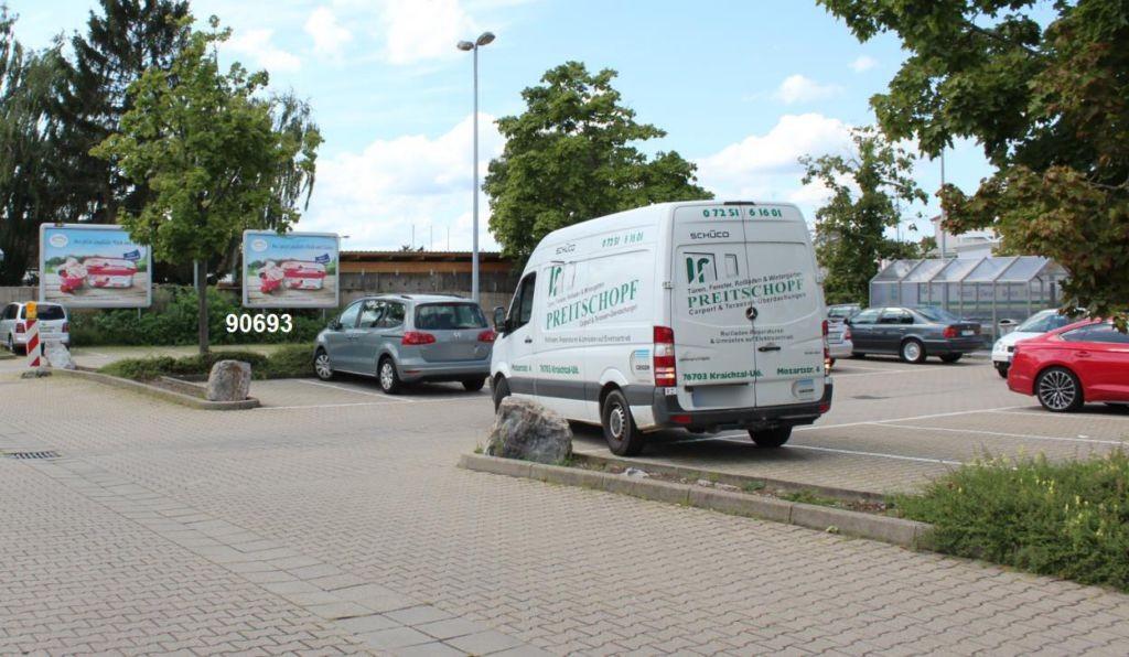 Paul-Gerhardt-Str. 8-10 E-Center