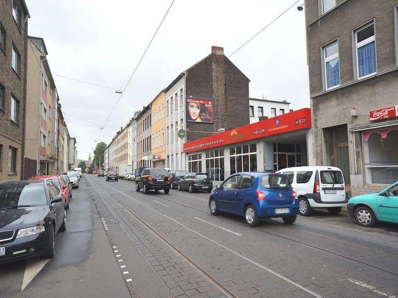 Bahnstr  15