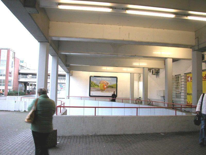 Bahnhofstr. 57 Kaufland Eing.