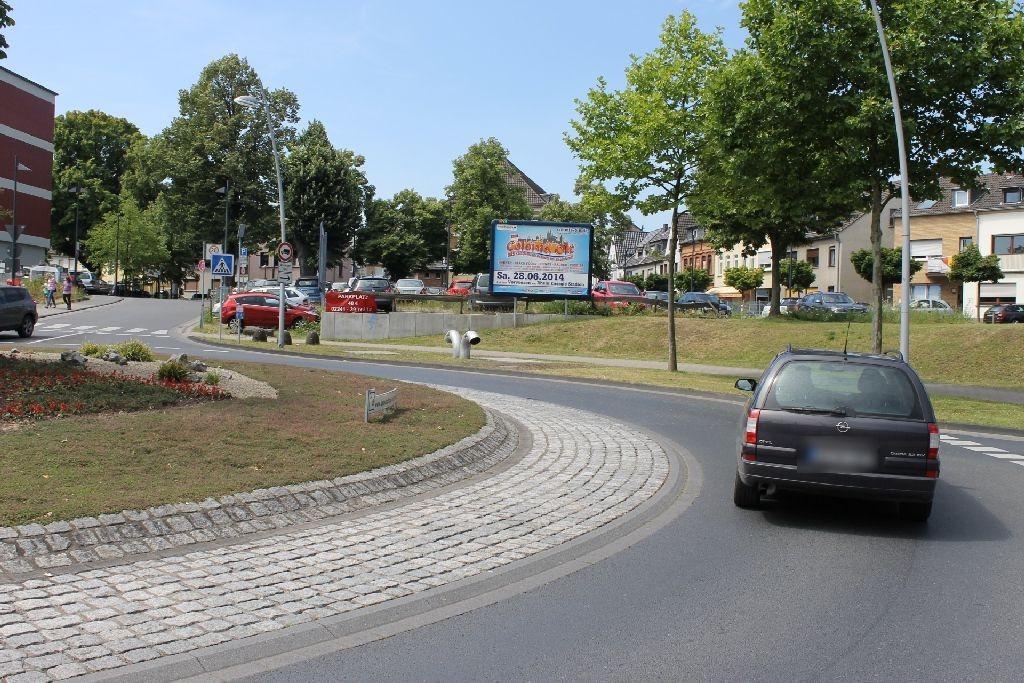 Konrad-Adenauer-Allee/Berliner-Platz