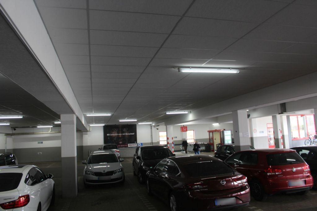 Frontenhausener Str. 1 Kaufland Eing.