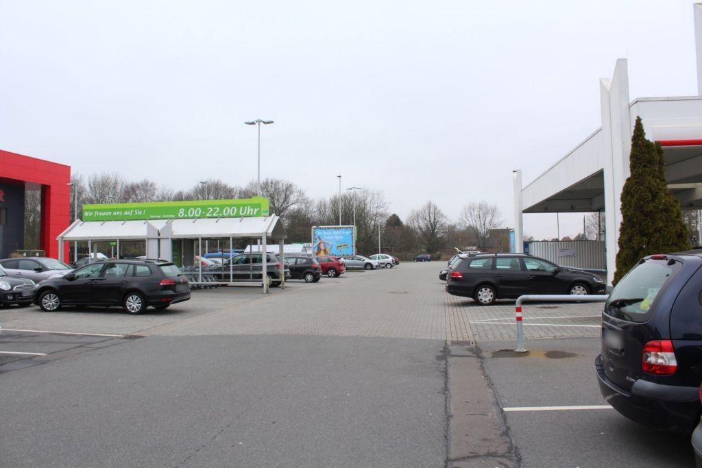 Flutstr. 94 Marktkauf Eing.