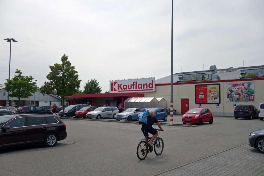 Burgerfeld 8 Kaufland Eing.