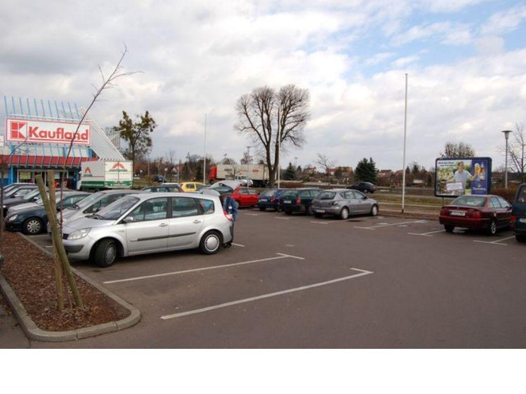 Turnierplatzweg 1 Kaufland Eing.