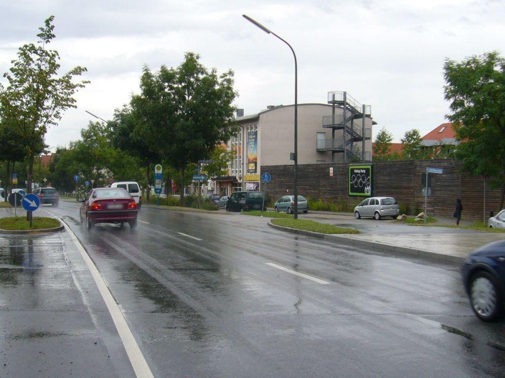 Münchner Str 225 re (B 304)