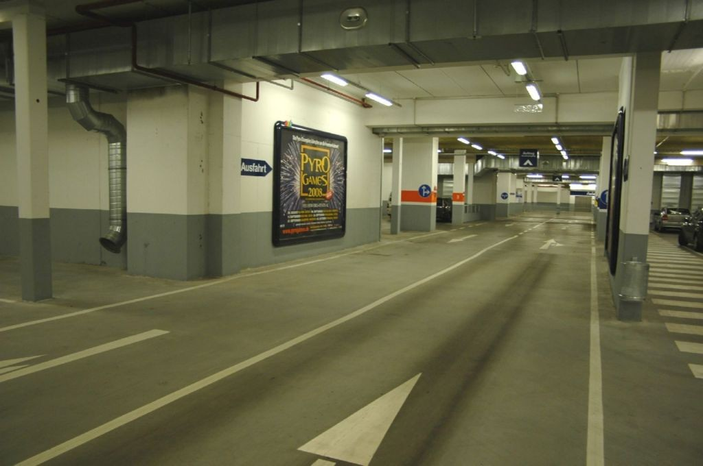 Plöner Str. 8 Metro