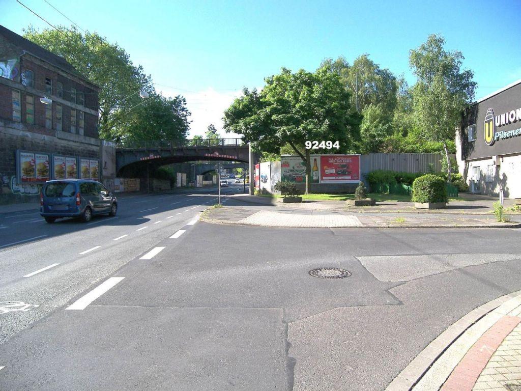Löwenstr  31b nb/Heiliger Weg re