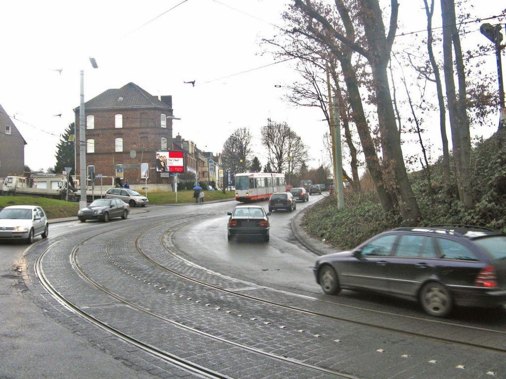 Bochumer Str   9 (B 226) aw/Trantenrother Weg