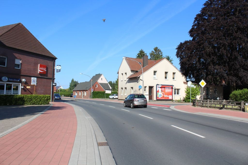 Gehrder Str  27 re (B 214)/Waldweg