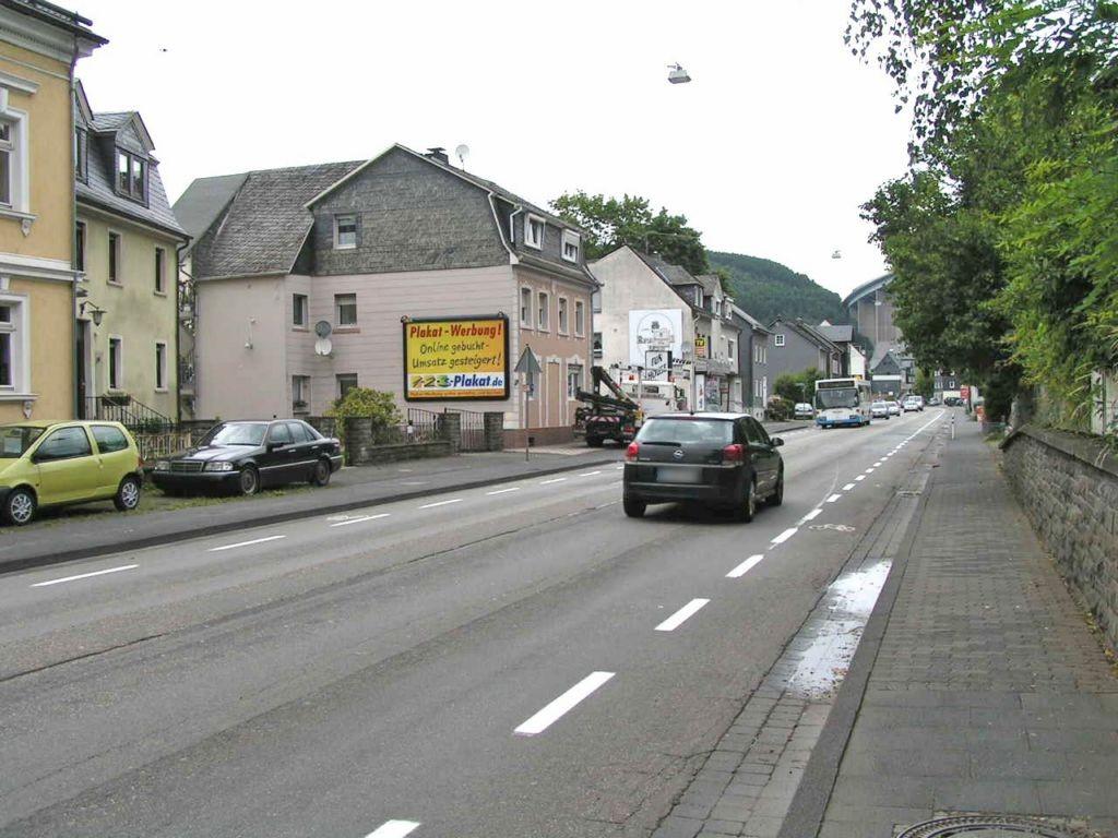 Eiserfelder Str 374 li (B 62)