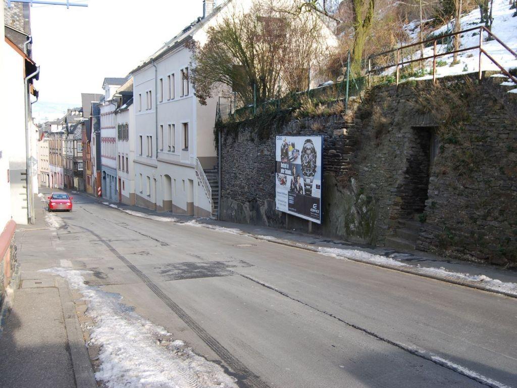 Schottstr  39 re/Laacher Weg gg