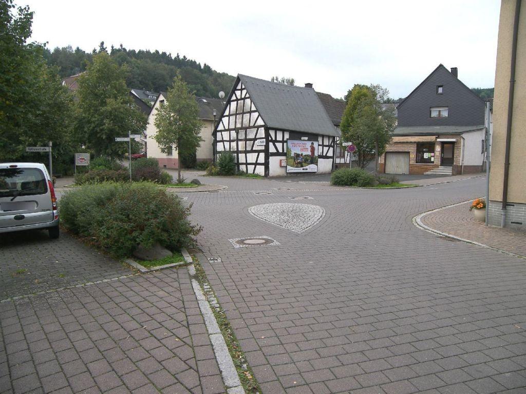 Rathausstr/Hinterm Rathaus/-Flammersbach