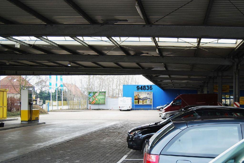 Bielefelder Str. 86 E-C+C Großmarkt Eing.