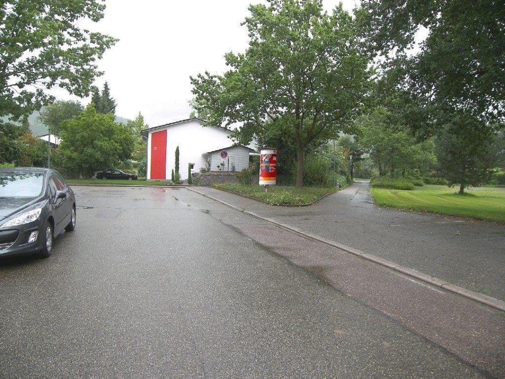 Am  Erhard-Schrempp-Schulzentrum/Von-Bender-Str