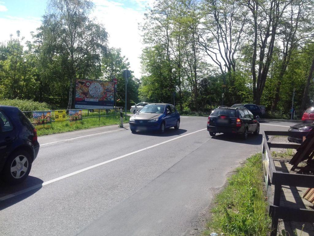 Rönsahler Str/Prämonstratenser Str Bahnübergang Wende re
