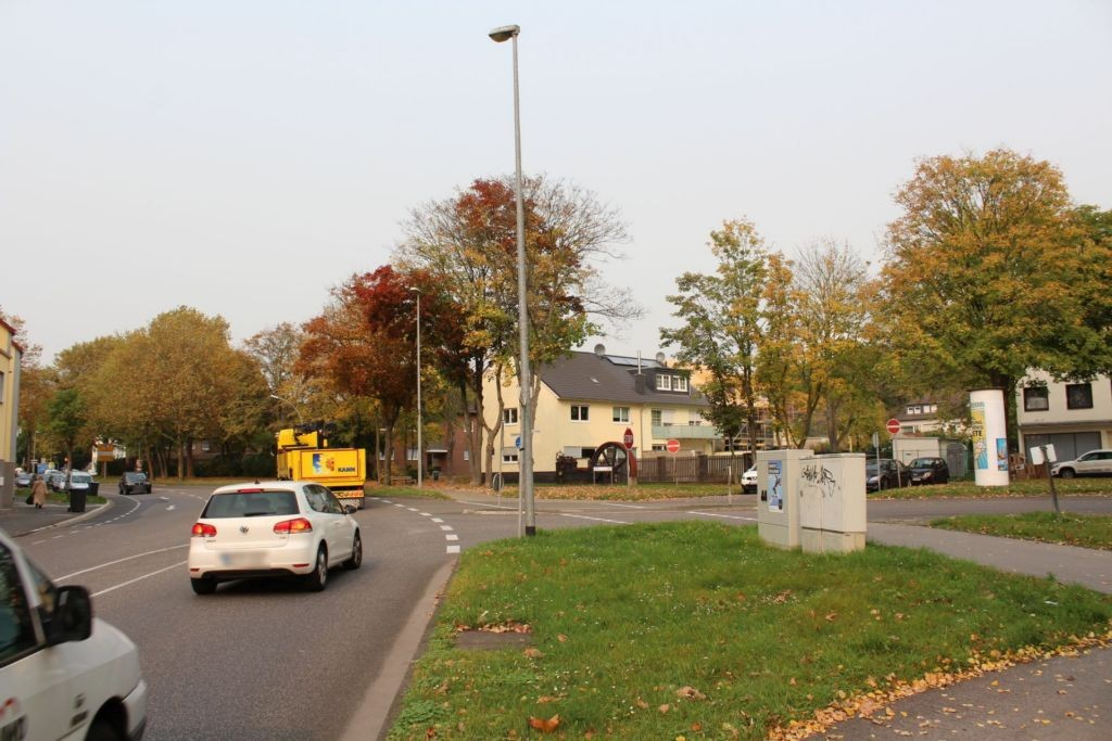 Köln-Aachener-Str 179 li/Fischbachstr