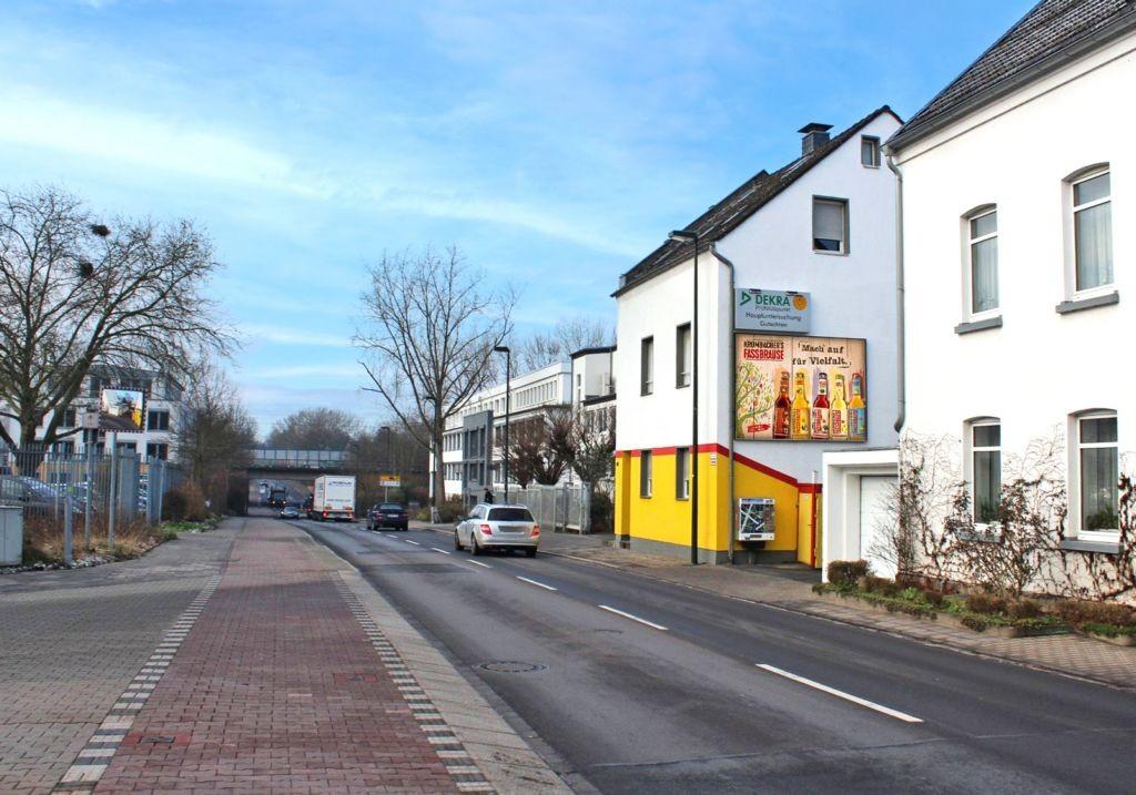 Schwarzer Weg  98 re