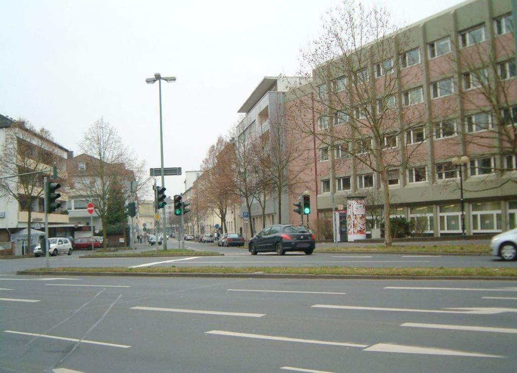 Walltorstr  57 re/John-F-Kennedy-Platz