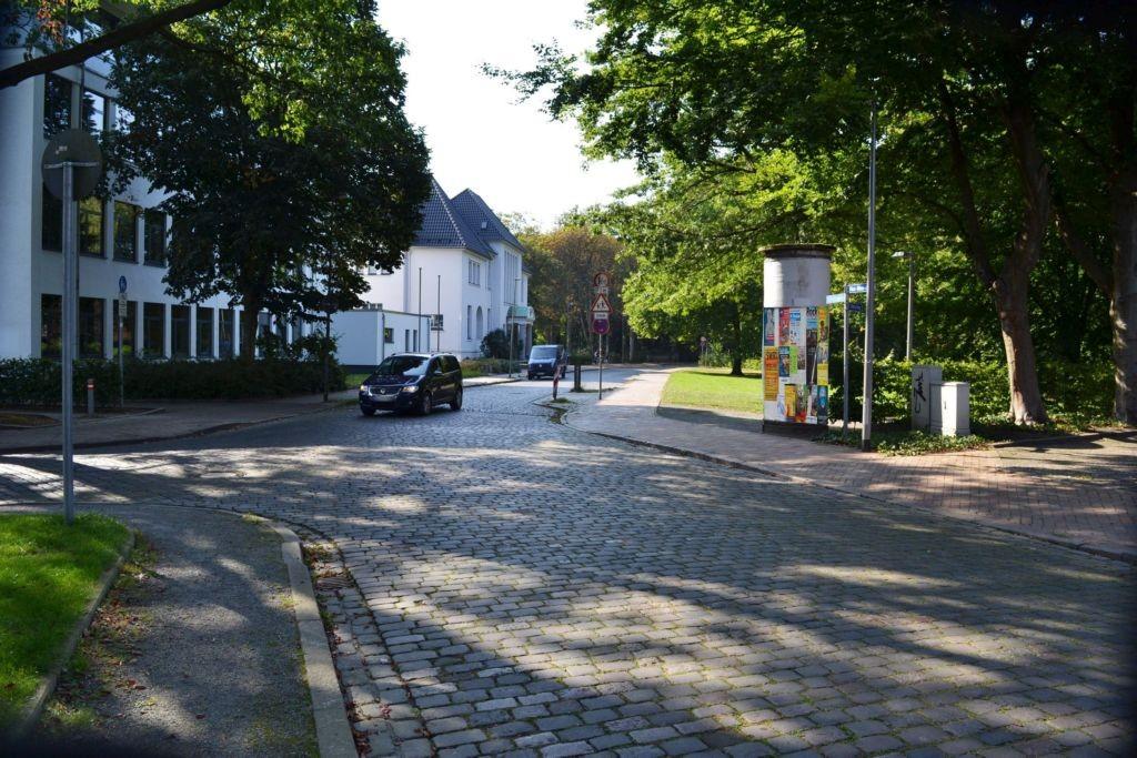 Max-Röer-Platz   1/Parkstr