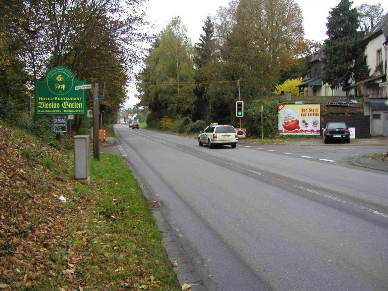 Riesling-Wein-Str /Retzgrubenweg (L 143) Quer  /W