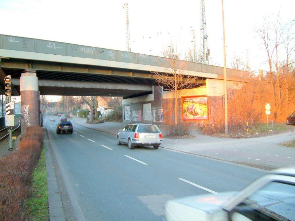 Bornstr.  / Höhe Hs.-Nr. 345 / Ri. An der Westfalenburg Ufg. re.