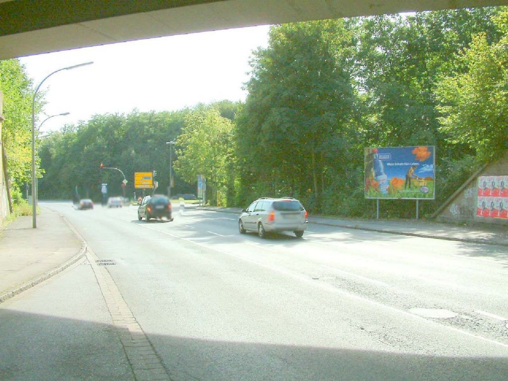 Rüschebrinkstr.  / Nh. Wambeler Heide / hinter Ufg. re.