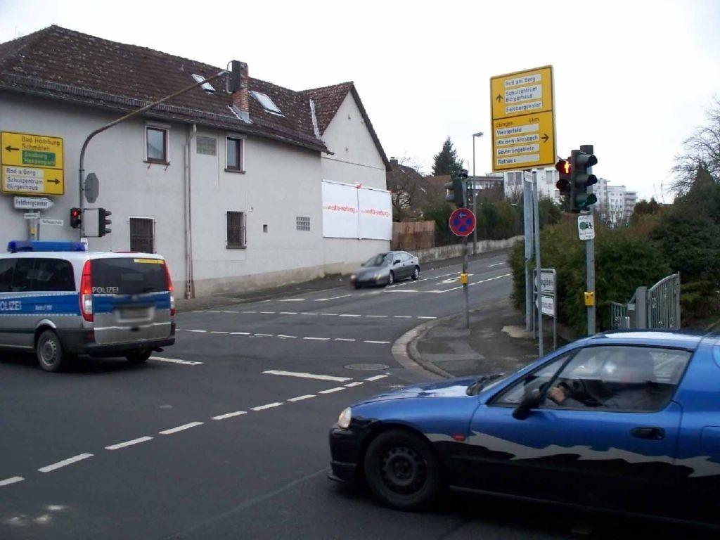Raiffeisenstr. / Bahnhofstr. 19