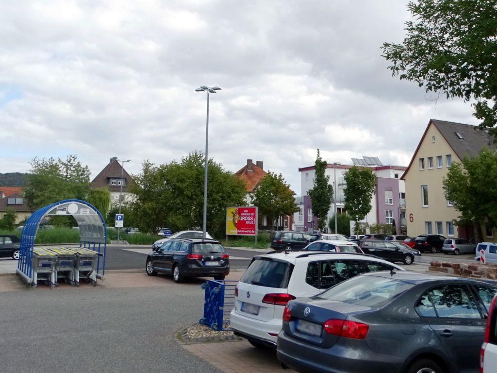 Kasseler Str. 5 re. ne. Eing.