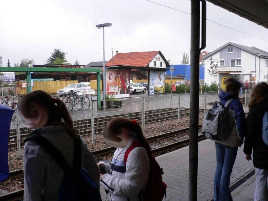 Adlerstr.  / Maasstr. Front Bhf
